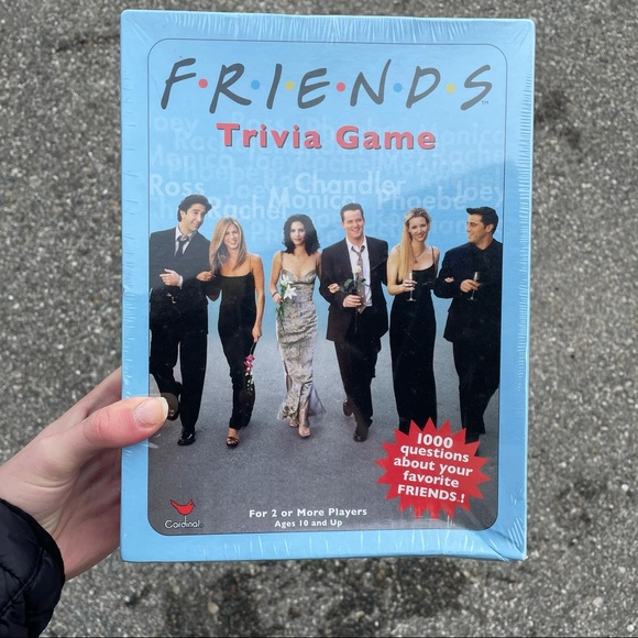 ❤️NWT Friends trivia game!